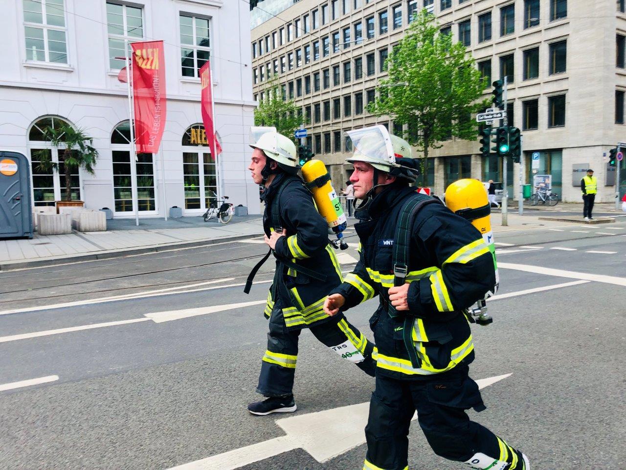 Zwei unserer sportlichsten Feuerwehrmitglieder beim Düsseldorfer Marathon (28.04.19)